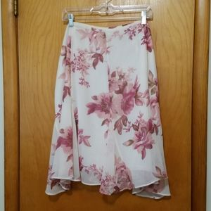 🌴Fitted Cream Pink Floral Skirt